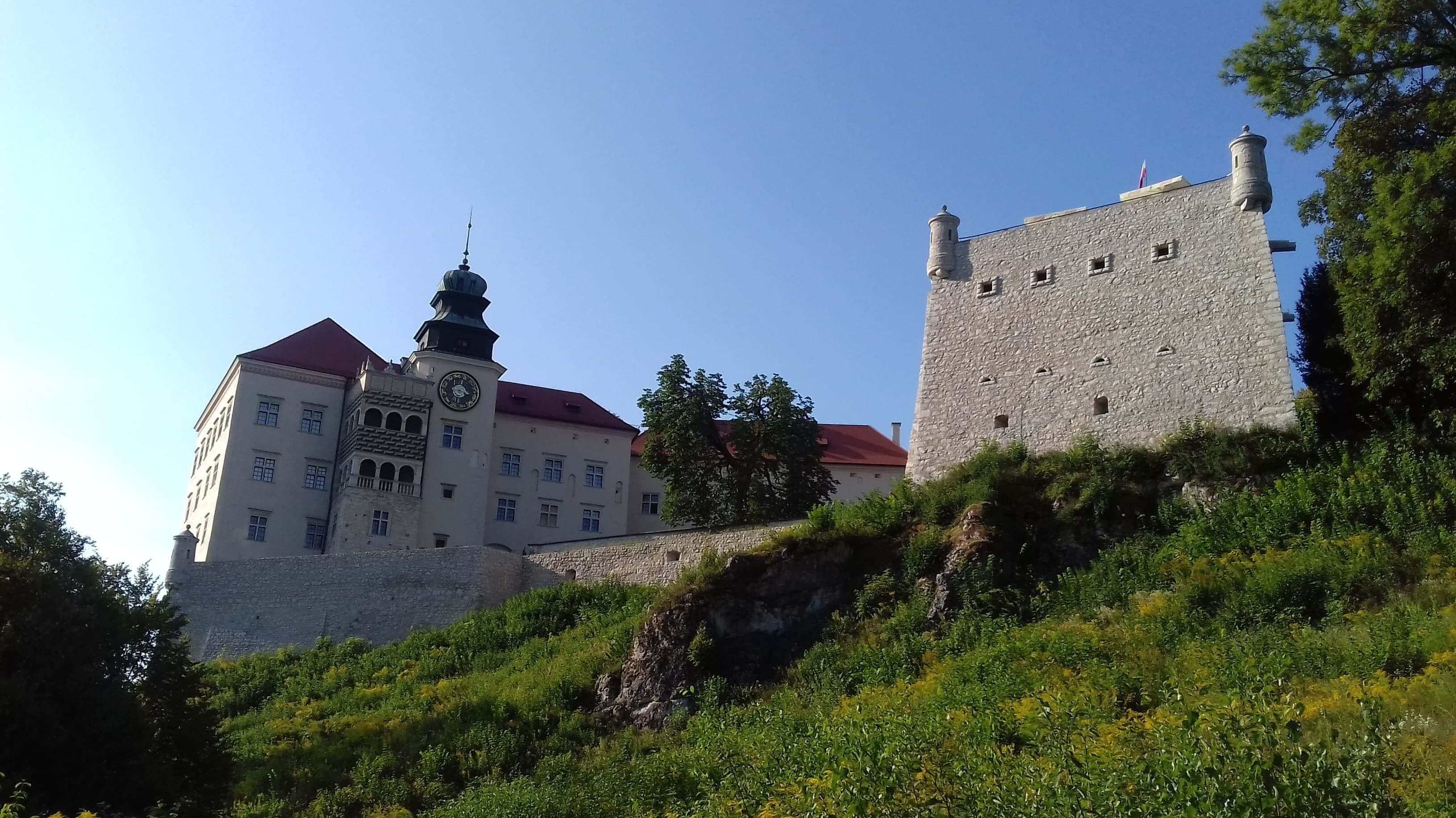 Passion Piece - Pieskowa Skała Castle